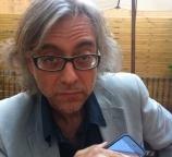 Victor-Amela-antes-de-la-rueda-de-prensa-del-Premio-Planeta-2011