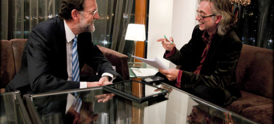 Rajoy lee La Contra de La Vanguardia, por Vladimir de Semir