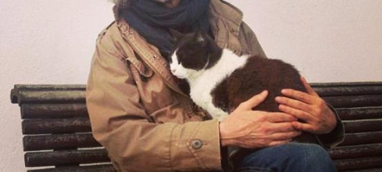 Todo novelista tiene gato, ¡me tomo prestado al señor felino de Port Doguer!