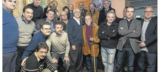 La Vanguardia | Foto de grupo de columistas para homenajear a Josep Maria Espinàs