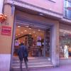 Ja hi sóc devant Llar del Llibre (Sabadell)!! Disposat a firmar #cataroimperfecto #catarimperfecte ..