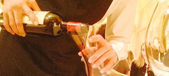 Decantando el vino 200 monges con @roseramills