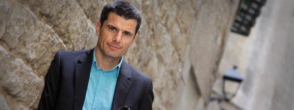 Pedro Olalla entrevistado por víctor amela para la contra de la vanguardia